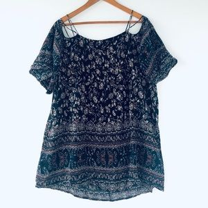 UO Ecote Boho Off-the-Shoulder T-Shirt Floral Med